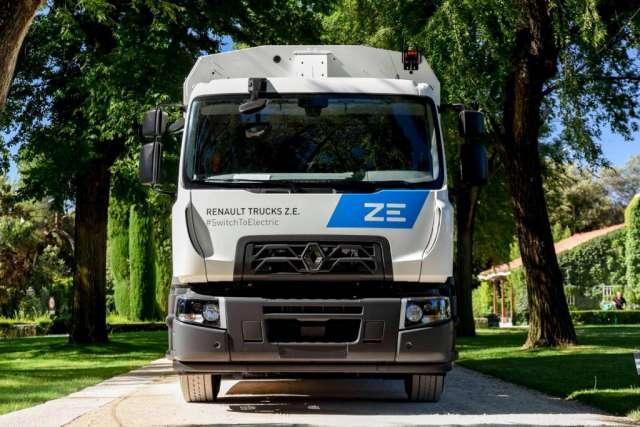 Renault поставила першу серійну повністю електричну вантажівку. ФОТО
