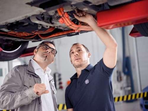 ZF продолжает расширять номенклатуру запчастей для электромобилей