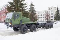 KrAZ handed over to the Ukrainian military a new self-propelled chassis