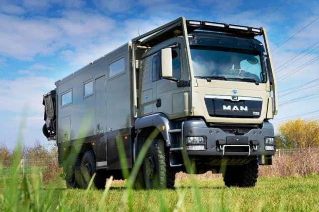Вантажівку MAN перетворили на позашляховий автодім за майже 1,4 млн євро