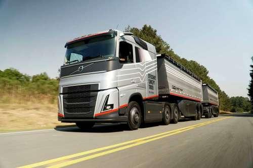 Представили нову аграрну модифікацію вантажівки Volvo FH